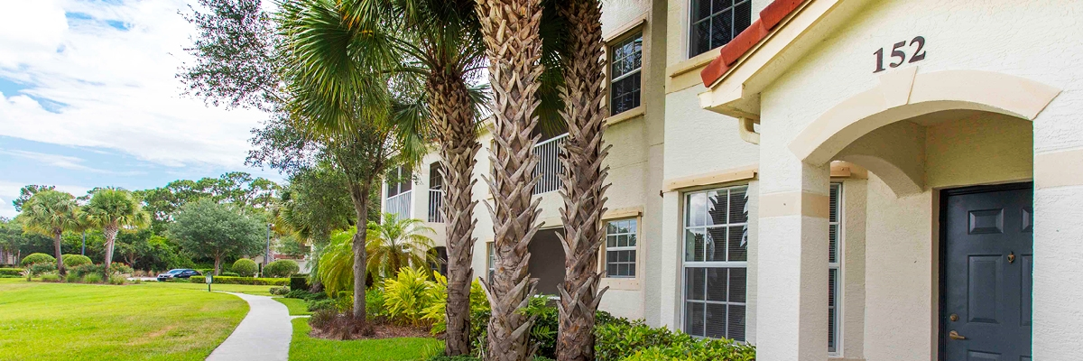 The Estates At Stuart In Stuart Fl Pmc Property Group Apartments