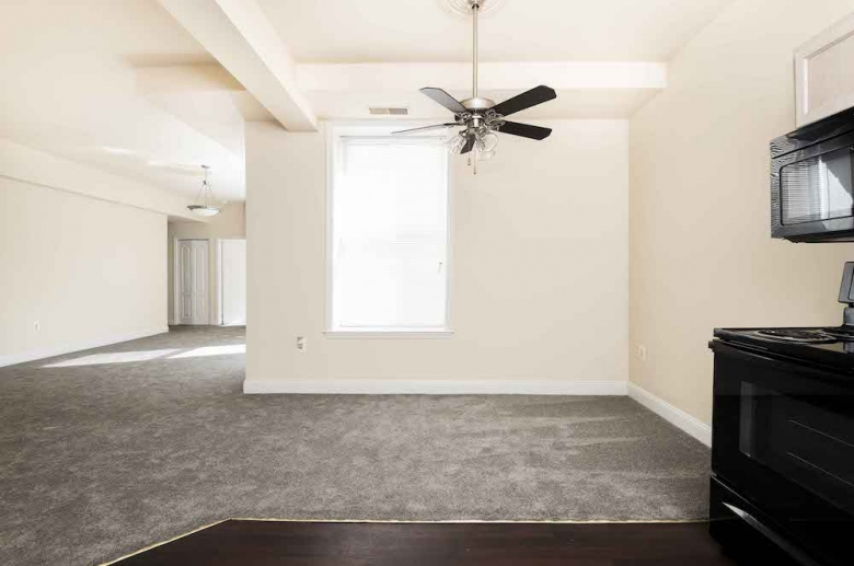 Living area with ceiling fan