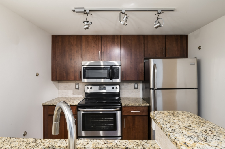 Lofts at Franklin kitchen