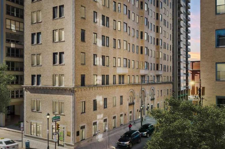 222 Rittenhouse exterior