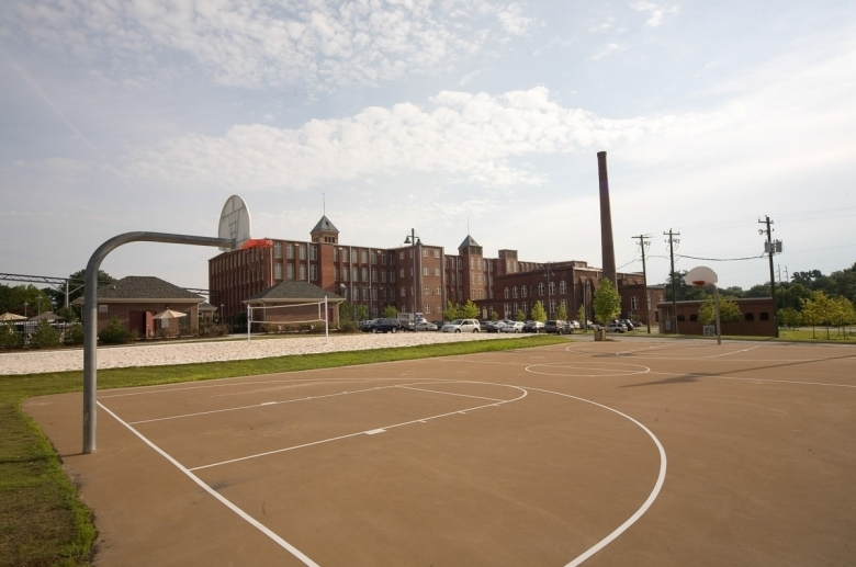 Outdoor basketball court at The Cottages at The Mills