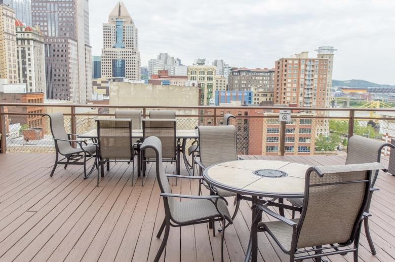 Furnished roof deck