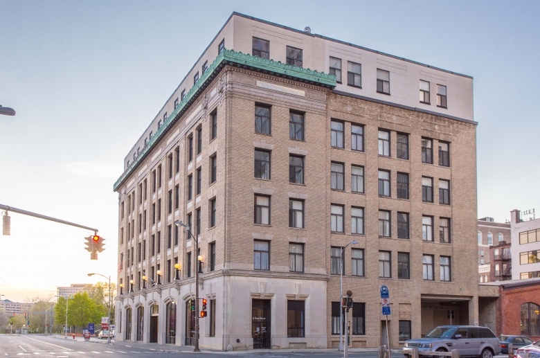 The Metropolitan is a mid-rise historic building in Hartford