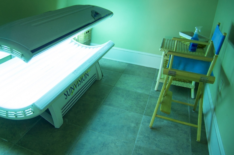 Windsor Club tanning bed