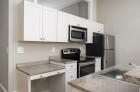 924 Pine Street kitchen